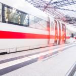 ICE der DB am Bahnhof als Sinnbild für unsere Kündigung Bahncard